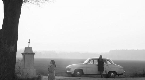 Road movie o identitě, víře a vině v době socialismu