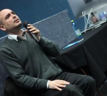 Vypněte si wifi, říká Peter Strickland