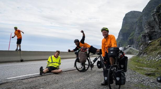 Byl to luxus, říká filmař, který projel Norsko na kole a živil se pouze vyhozenými potravinami