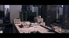 Fascinace městem – jejím výsledkem jistě nejsou pouze monumentální záběry, ale také to, že Gotham se stává výraznější postavou než kdy předtím.