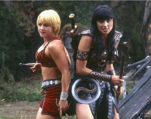 http://www.fanpop.com/clubs/xena-warrior-princess/images/35949211/title/xena-big-size-photo