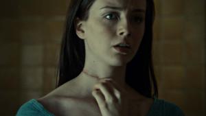 Abigail Hobbs patří k nejsložitějším postavám, protože její pozice oběti i vražedkyně je diskutabilní