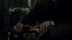 Záběry Hannibalových rukou často vytváří erotické implikace